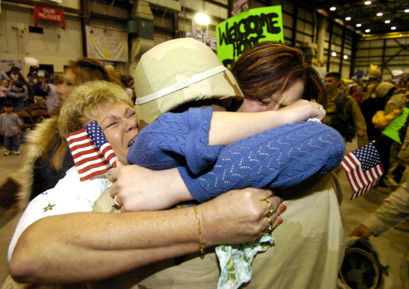 Protection「Fort Riley Welcomes Soldiers Home From Iraq」:写真・画像(10)[壁紙.com]