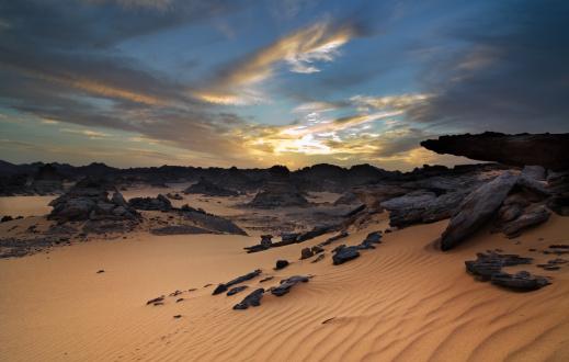 Akakus Mountains「Acacus Mountains or Tadrart Acacus on Libya Desert」:スマホ壁紙(1)
