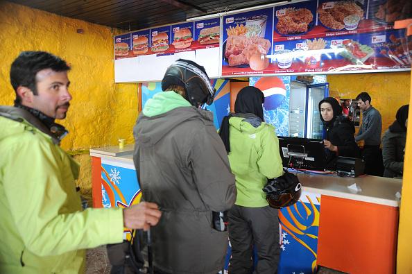 Ski Resort「Burgers In Dizin」:写真・画像(11)[壁紙.com]