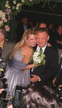 Denny Keeler「Rodney Dangerfield Renews His Vows」:写真・画像(14)[壁紙.com]