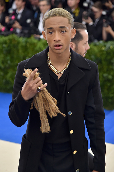 Gold Chain Necklace「Jaden Smith At Costume Institute Gala」:写真・画像(15)[壁紙.com]
