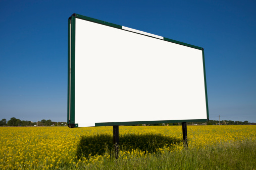 Marketing「Large Billboard in a yellow field」:スマホ壁紙(19)