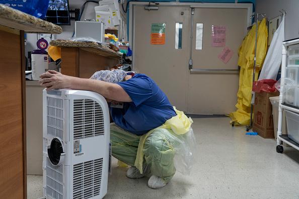 Houston - Texas「Texas Hospitals Cope With State's Surge In Coronavirus Cases」:写真・画像(7)[壁紙.com]