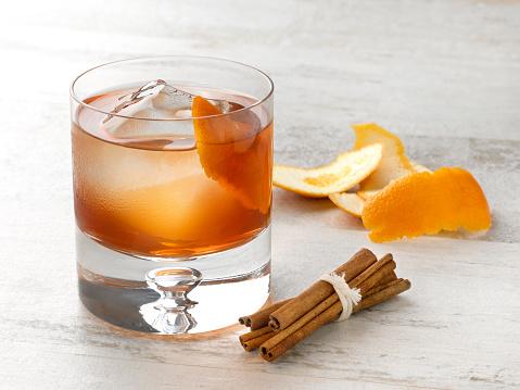 ウィスキー「Classic Old Fashioned」:スマホ壁紙(1)