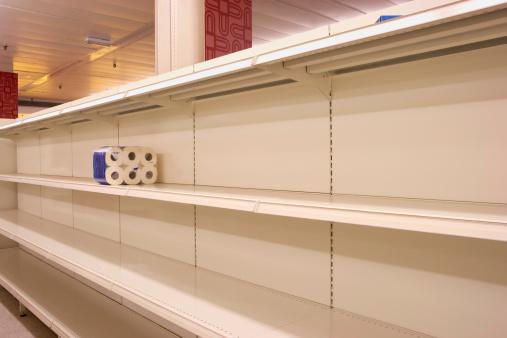 Blank「Toilet rolls on empty shop shelf」:スマホ壁紙(17)