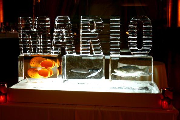 Ice Sculpture「Mario Batali Roast Kicks Off The 3rd Annual New York Comedy Festival」:写真・画像(2)[壁紙.com]