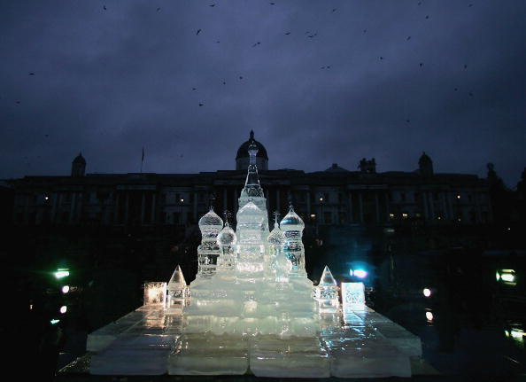Ice Sculpture「Ice Sculpture Unveiled In Trafalgar Square」:写真・画像(8)[壁紙.com]