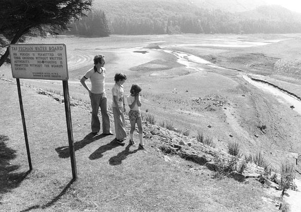 Social Issues「Dry Reservoir」:写真・画像(16)[壁紙.com]