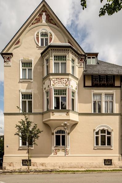 Cream Colored「Jugenstil House」:写真・画像(10)[壁紙.com]