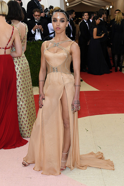 "Strap「""Manus x Machina: Fashion In An Age Of Technology"" Costume Institute Gala - Arrivals」:写真・画像(8)[壁紙.com]"