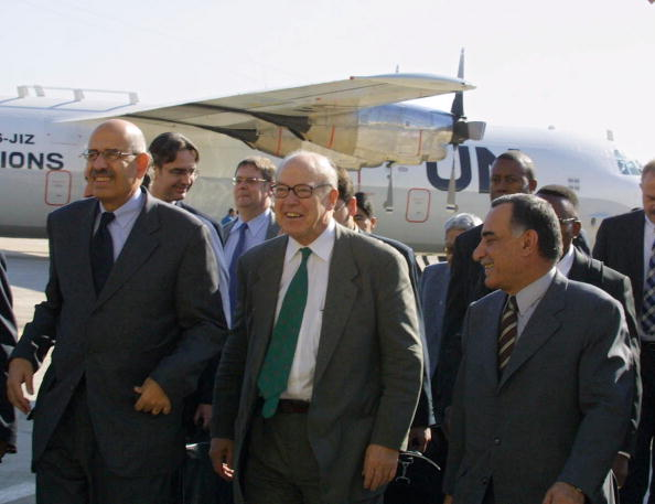 Baghdad「UN Weapons Inspectors Arrive In Iraq」:写真・画像(6)[壁紙.com]