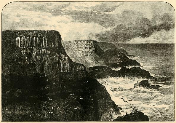 Volcanic Landscape「Pleaskin Head」:写真・画像(1)[壁紙.com]