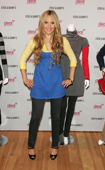 アマンダ バインズ「Amanda Bynes Unveils Dear Clothing Line At Steve & Barry's」:写真・画像(19)[壁紙.com]