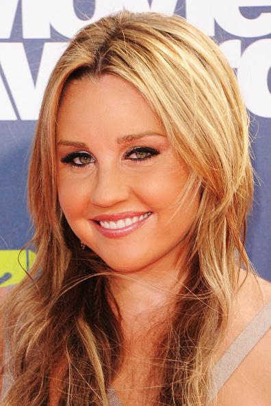 アマンダ バインズ「2011 MTV Movie Awards - Arrivals」:写真・画像(7)[壁紙.com]