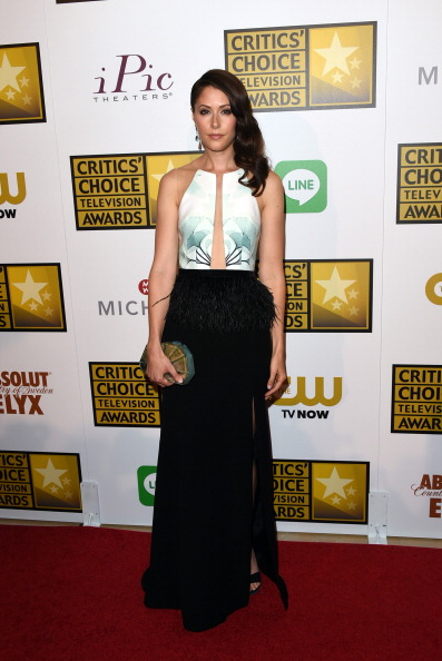 Two-Toned Dress「4th Annual Critics' Choice Television Awards - Arrivals」:写真・画像(7)[壁紙.com]