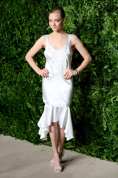 Amanda Seyfried「12th Annual CFDA/Vogue Fashion Fund Awards - Arrivals」:写真・画像(6)[壁紙.com]