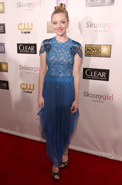 Amanda Seyfried「18th Annual Critics' Choice Movie Awards - Red Carpet」:写真・画像(6)[壁紙.com]