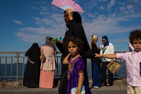 トップランキング「Muslims Mark End Of Ramadan In Brooklyn」:写真・画像(16)[壁紙.com]