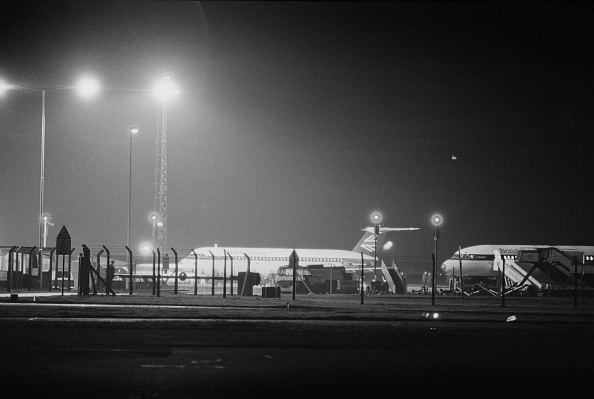 Heathrow Airport「Hijacked Plane at Stansted Airport」:写真・画像(14)[壁紙.com]