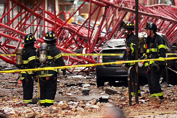 Collapsing「Crane Collapses In Lower Manhattan」:写真・画像(12)[壁紙.com]