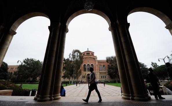 Campus「New Report: Half Of Recent College Graduates Under- Or Unemployed」:写真・画像(0)[壁紙.com]