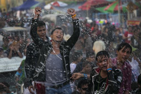 New Year「Water Festival Marks Start Of New Year In Myanmar」:写真・画像(2)[壁紙.com]