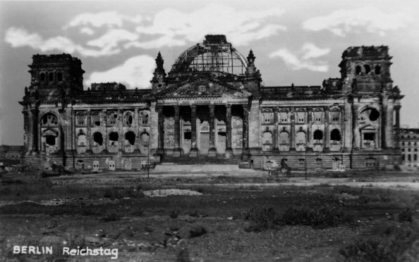 City Life「Reichstag, Berlin」:写真・画像(3)[壁紙.com]