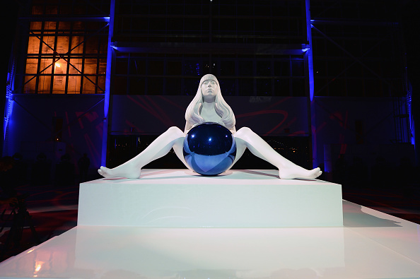 "Sculpture「Lady Gaga Presents ""artRave"" - Press Conference」:写真・画像(14)[壁紙.com]"