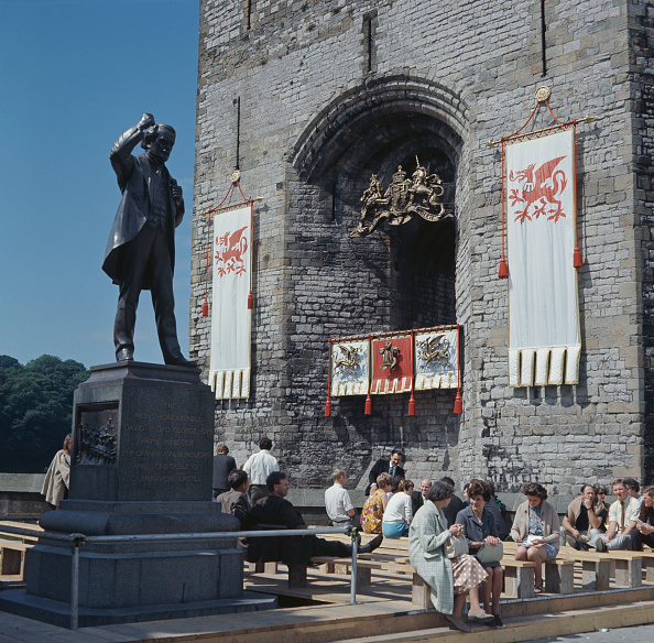 Banner - Sign「Investiture Of The Prince Of Wales」:写真・画像(15)[壁紙.com]