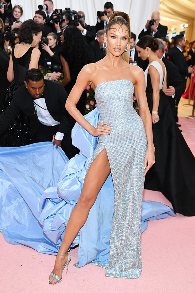 キャンディス・スワンポール「The 2019 Met Gala Celebrating Camp: Notes on Fashion - Arrivals」:写真・画像(12)[壁紙.com]