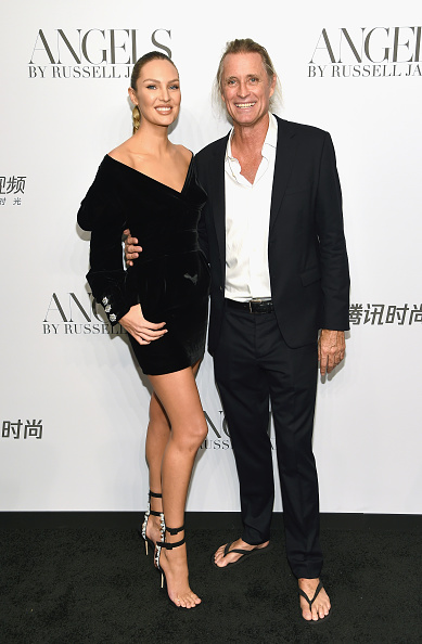 """Book Release「Cindy Crawford And Candice Swanepoel Host """"ANGELS"""" By Russell James Book Launch And Exhibit - Arrivals」:写真・画像(14)[壁紙.com]"""