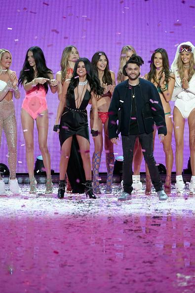 Selena Gomez「2015 Victoria's Secret Fashion Show - Runway」:写真・画像(3)[壁紙.com]