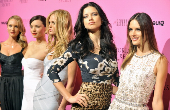 "Erin Heatherton「Victoria's Secret's 6th Annual ""What Is Sexy? List: Bombshell Summer Edition"" Celebration」:写真・画像(14)[壁紙.com]"