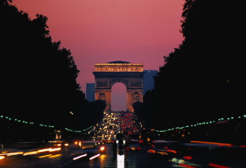 Arc de Triomphe - Paris「France,Paris,Arc de Triomphe and Champs Elysees,dusk」:スマホ壁紙(13)