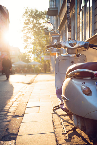 Motorcycle「Vintage scooter in Krakow, Kazimierz district」:スマホ壁紙(3)