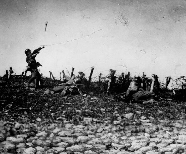 Germany「Throwing A Grenade」:写真・画像(19)[壁紙.com]