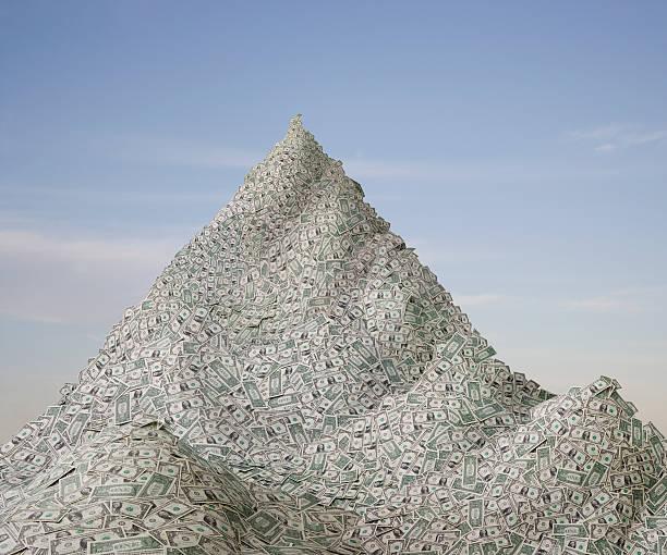 A Mountain of money:スマホ壁紙(壁紙.com)