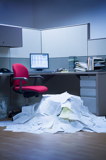 Chaos「Mountain of paper in office space」:スマホ壁紙(4)