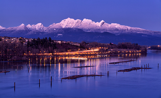 Log「Fraser river at dusk in winter, British Columbia, Canada」:スマホ壁紙(19)