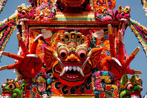 Detail of cremation ceremony in Ubud, Bali:スマホ壁紙(壁紙.com)
