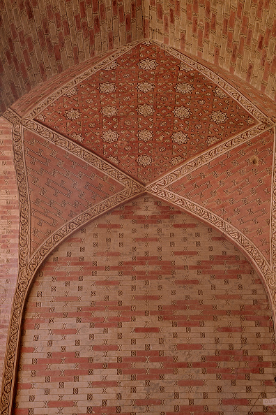 Geometric Shape「Detail of ceiling of Gombad-e Soltaniye Mosque, Iran.」:写真・画像(9)[壁紙.com]