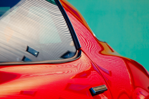 Sports Car「Detail of classic red sports car and reflections」:スマホ壁紙(19)