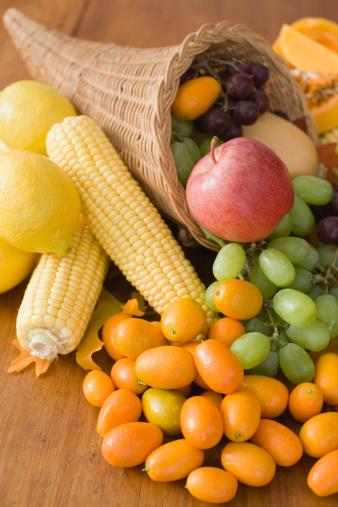 Harvest Festival「Cornucopia with fruit and vegetables」:スマホ壁紙(19)