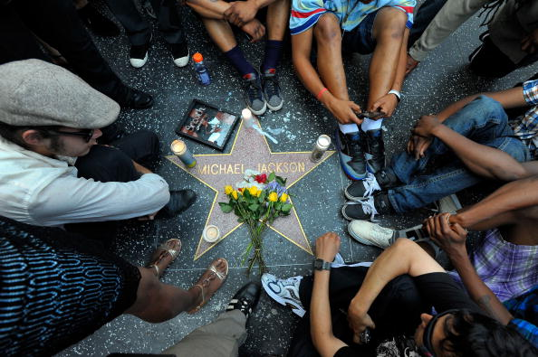 Hollywood - California「Michael Jackson Dies In Los Angeles」:写真・画像(5)[壁紙.com]