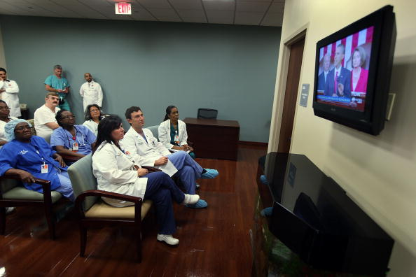 Device Screen「Florida Hospital Tunes In To Obama's Health Care Speech To Congress」:写真・画像(18)[壁紙.com]
