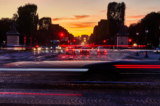 Avenue「Champs Elysees evening traffic, Paris」:スマホ壁紙(0)