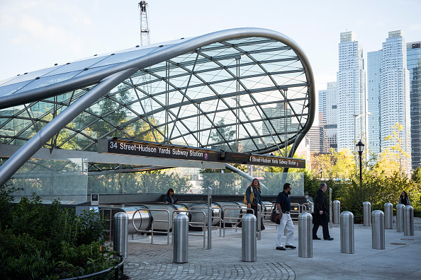 Andrew Burton「New NYC Subway Station Opens For First Time In A Quarter Century」:写真・画像(18)[壁紙.com]