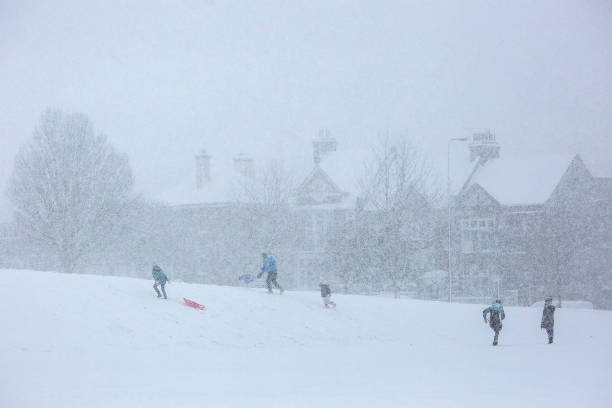 Cold Weather Front From Russia Brings Snow Across The UK:ニュース(壁紙.com)