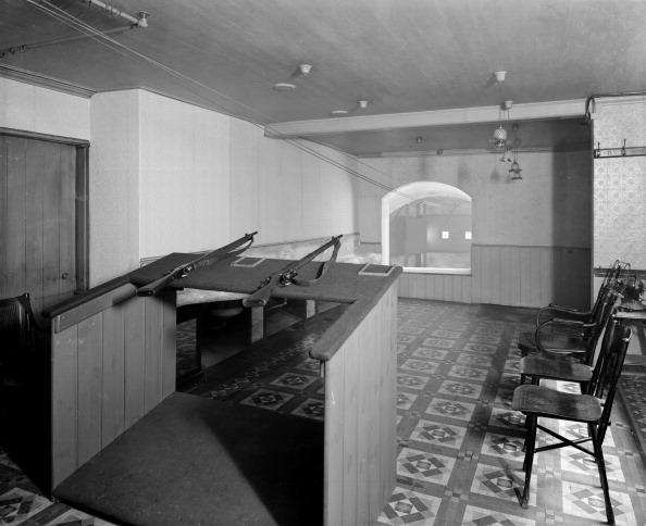Tiled Floor「Rifle range at the AA offices, London, 1914. Artist: Bedford Lemere and Company」:写真・画像(8)[壁紙.com]