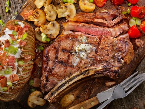 Baked Potato「BBQ Prime Rib steak with a Hasselback Potato」:スマホ壁紙(7)